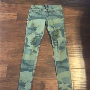 Camo jeans from Buckle - size 3